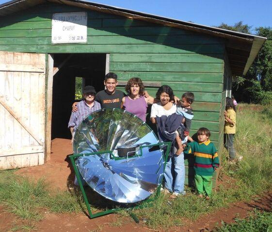 File:O'paybo solar cooker 1, 1-2-14.jpg