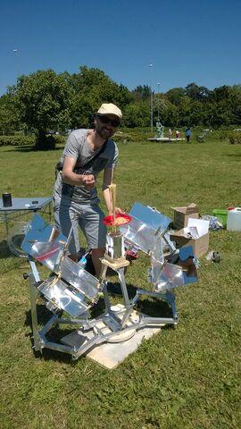 File:MUMA Solar Cooker- Solar Spaghetti.jpg