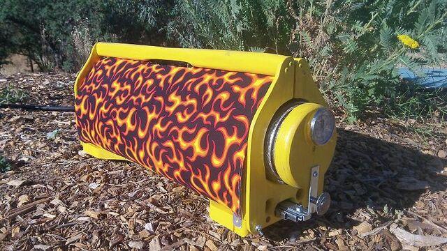 File:Yellow Flames closed shot at 45.jpg