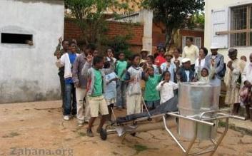 File:Zahana solar cooker assembly.jpg