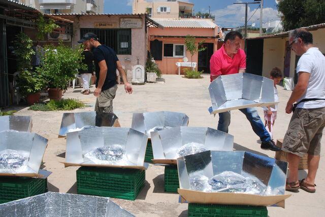 File:Solarcooking Greece.JPG