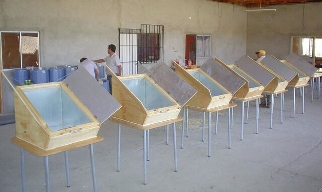 File:Chile box cookers 2, Guai Bao, 1-14-14.jpg
