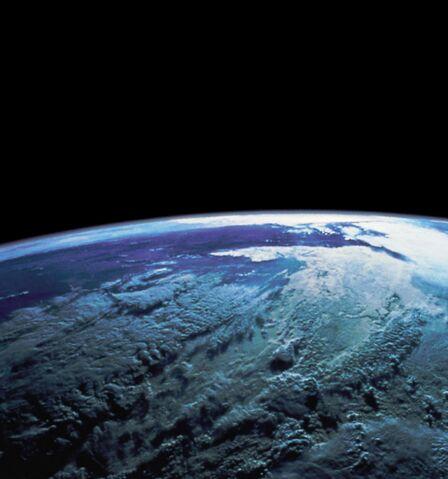File:Earth medium.jpg