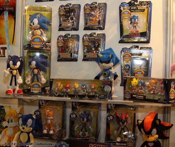 File:Toy Fair 2012 1.JPG