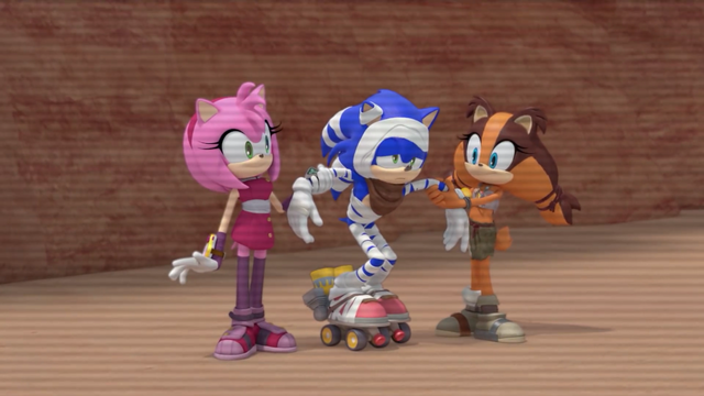 File:Injured Sonic on rocket skates.png
