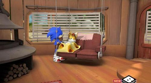 File:Tails in bed.jpg