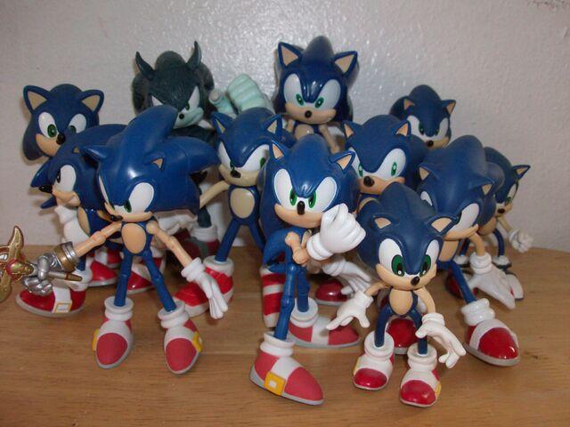 File:All Sonics.JPG