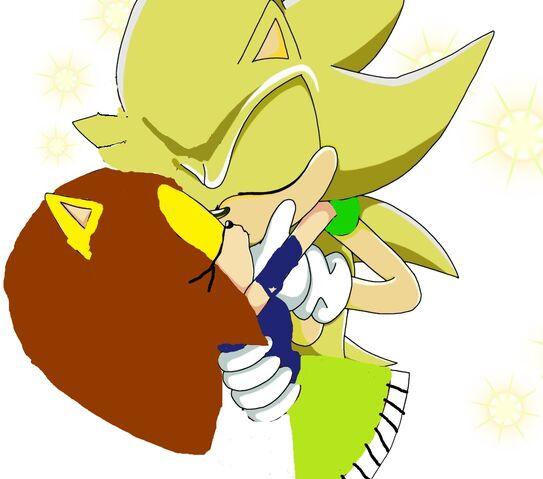 File:Super Sonic kisses Nancy.jpg