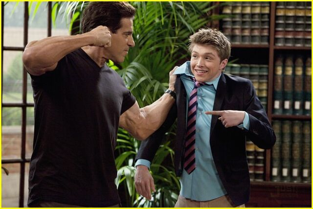 File:Lou-ferrigno-sterling-knight-sonny-03-1-.jpeg