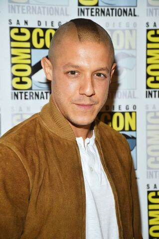 File:Theo Rossi CC 2012.jpg