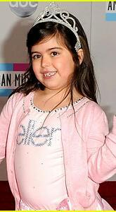 Nicki-minaj-amas-2011-sophia-grace-1