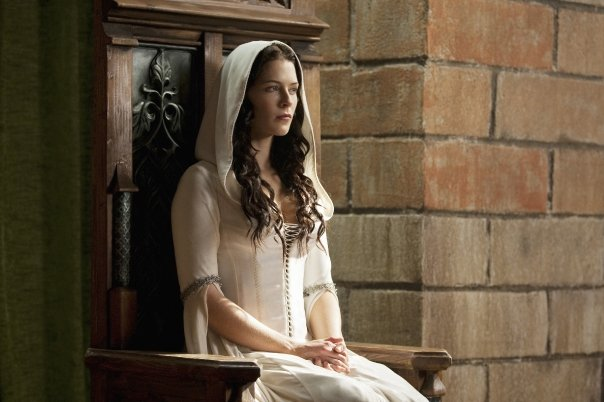 File:Mother Confessor Kahlan Amnell, wife to the Seeker of Truth, Lord Richard Rahl.jpg