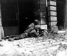 File:220px-GI machine gun crew in Aachen (Correct orientation).jpg
