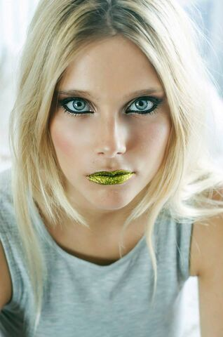 File:Green lips.jpg