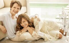 Ana+her mom