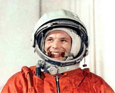 File:Space-heroes-photos-yuri-gagarin-5.jpeg