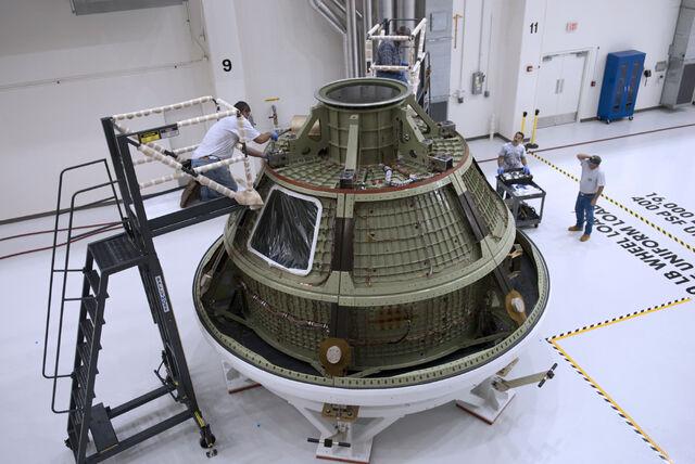 File:Orion ground test vehicle.jpg