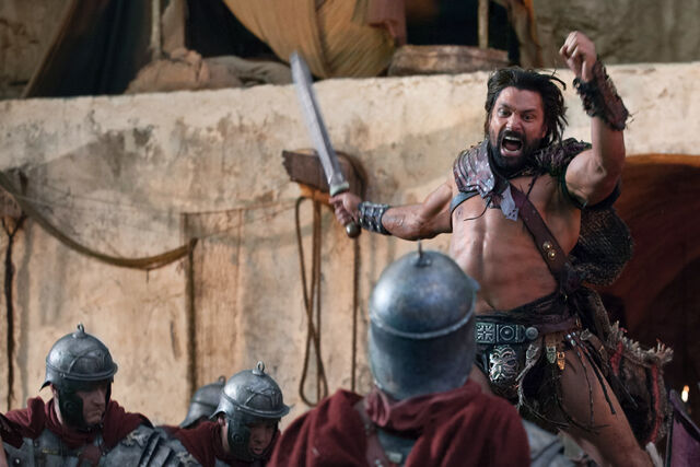 File:Spartacus-War-of-the-Damned-Blood-Brothers-Review-Manu-Bennett-as-Crixus.jpg
