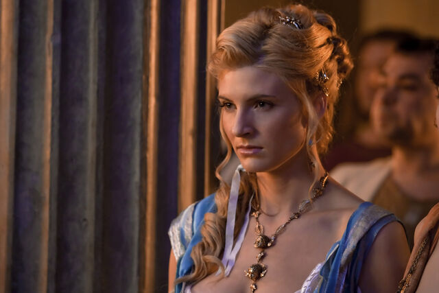 File:Spartacus blood and sand episode 110 2010 05 6x4-Ilithyia.jpg