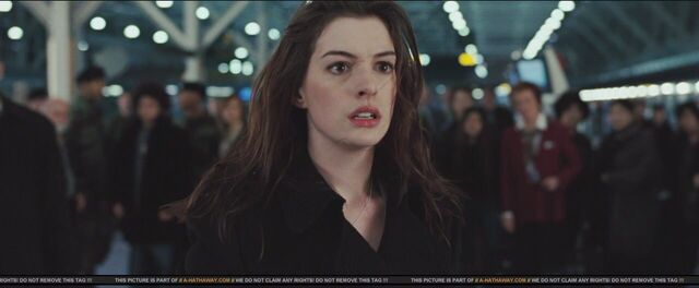 File:Anne Hathaway as Felicia Hardy in Spider-Man 4 (0008).jpg
