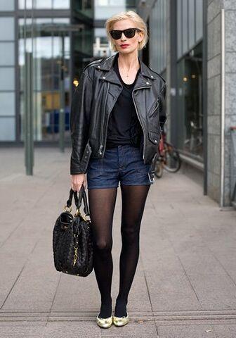 File:Street-fashion-retro1.jpg