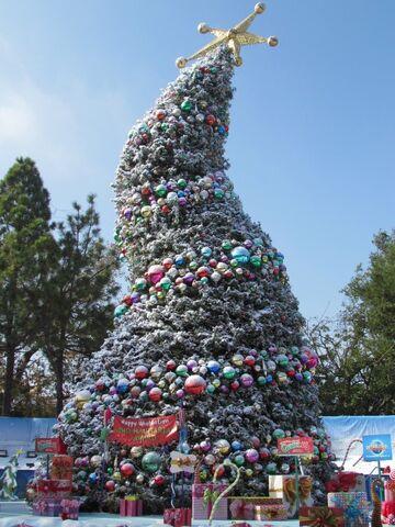 File:RealWorld Russian Christmas Tree.jpg
