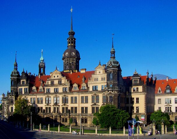 File:RealWorld Royal Palace in Dresden.jpg