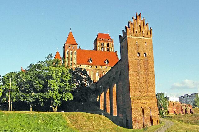 File:RealWorld Kwidzyn Castle.jpg