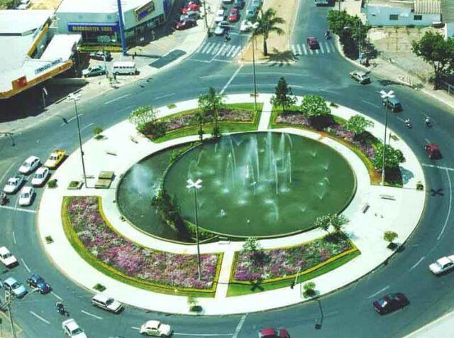 File:RealWorld Praça do Chafariz.jpg