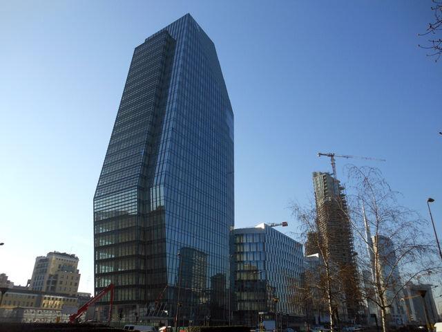 File:RealWorld Torre Diamante.jpg
