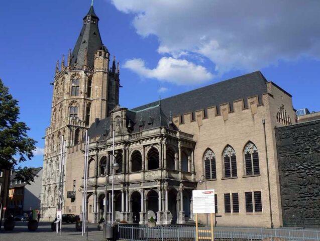 File:RealWorld Cologne City Hall.jpg