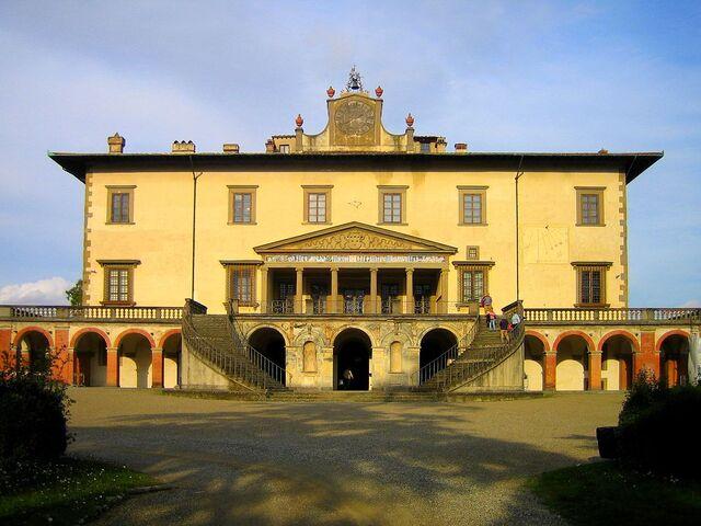 File:RealWorld Villa Medici.jpg