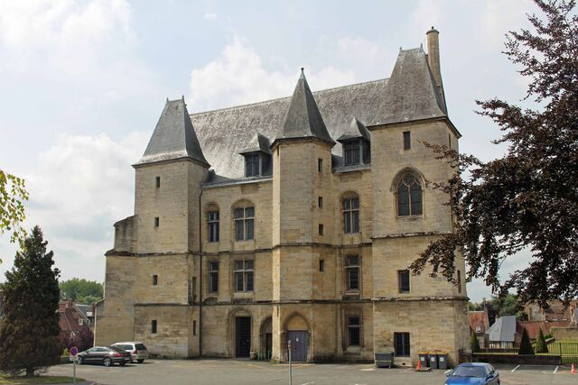 File:RealWorld Chateau d'Argentan.jpg