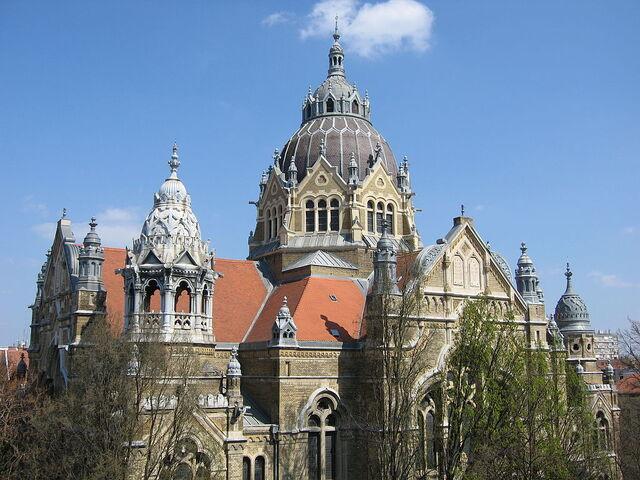File:RealWorld Szeged Synagogue.jpg
