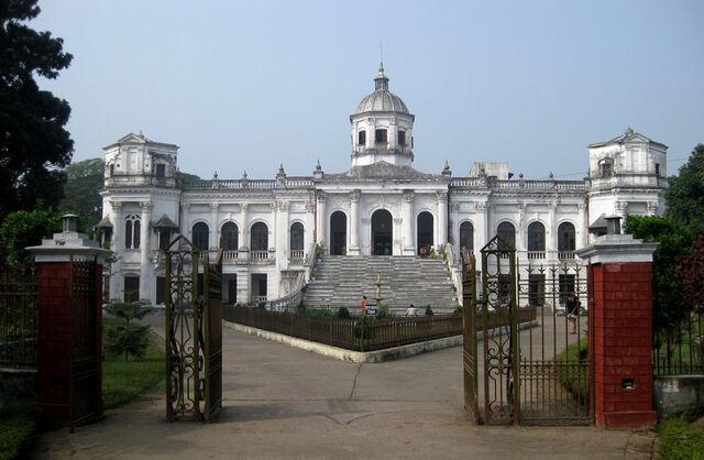 File:RealWorld Tadzhat Palace.jpg