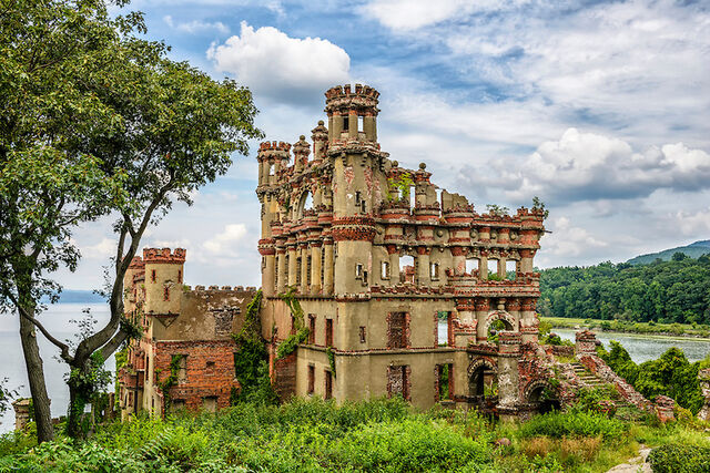 File:RealWorld Bannerman Castle.jpg