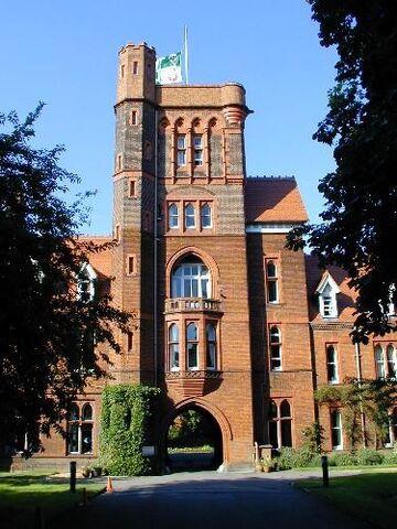 File:RealWorld Girton College in Cambridge.jpg