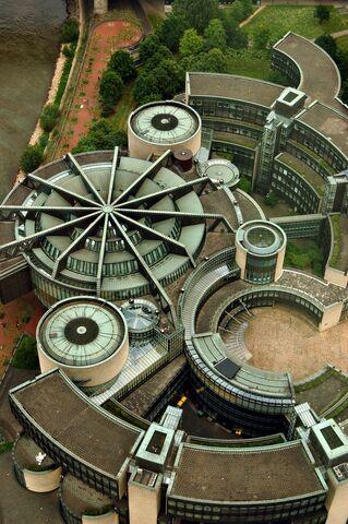 File:Lantang Building, Dusseldorf Germany.jpg