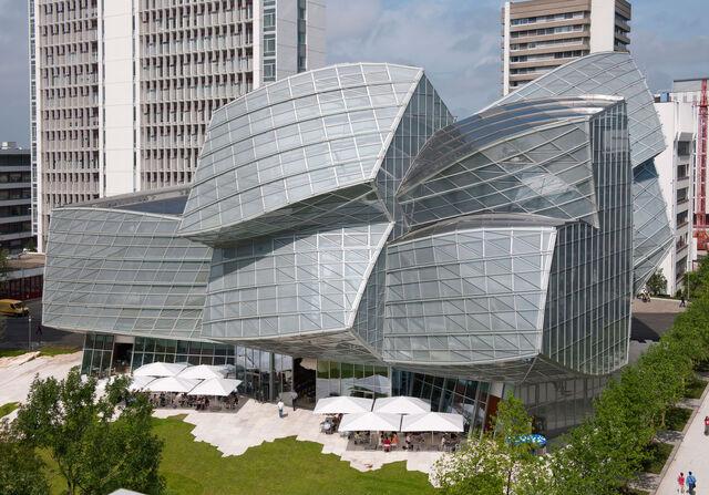 File:RealWorld Swiss Center of Modern Art.jpg