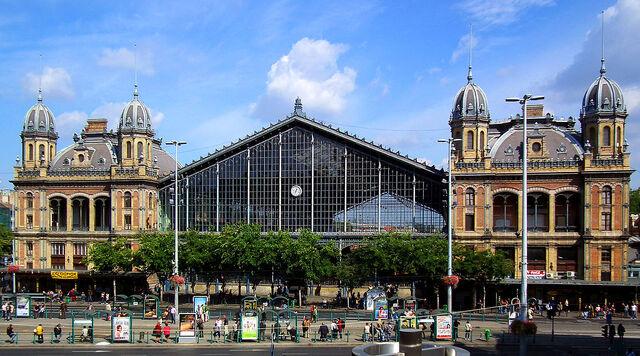File:RealWorld Budapest-Nyugati Station.jpg