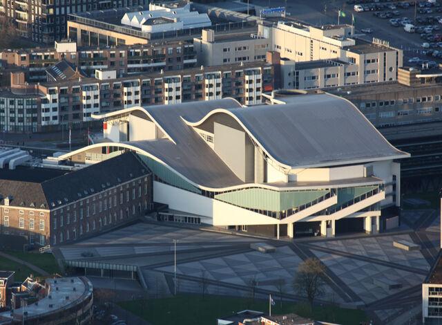 File:Breda - Chassé Theater.jpg