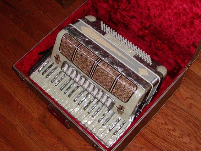 File:Piano accordion.jpg