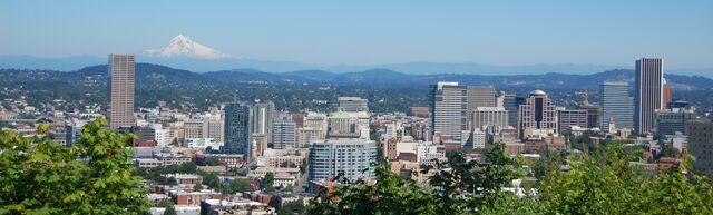File:Portland and Mt Hood.jpg