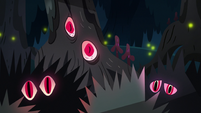 S3E5 Red eyes staring out of the dark forest
