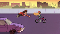 S2E5 Marco 'stop the bike by yourself'