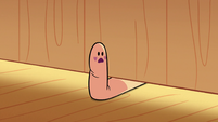 S2E26 Star sticks a finger puppet under Marco's door