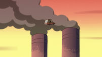 S2E5 Oskar's car sails into cloud of smoke