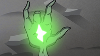 S3E3 Wand glowing bright in Ludo's palm