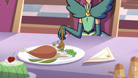 S2E30 Queen Butterfly fidgeting with her peas