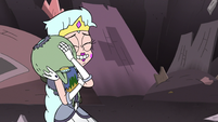 S3E7 Queen Butterfly hugging Ludo-Star